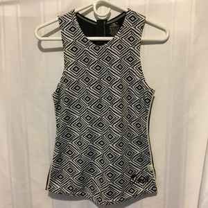 O'Neill tank black & white graphic diamond Med